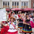 Einige Gruppen traten auch gemäß unseres Mottos mit Schildern für mehr Respekt ein. Hier wieder die Gruppe Perù. Foto: David Wedmann / FJR