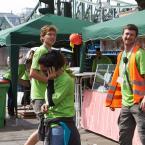 Die Helfer*innen kommen meisten aus den Jugendverbänden des Jugendrings, aber auch andere Freiwilligen schließen sich jedes Jahr dem Team an.